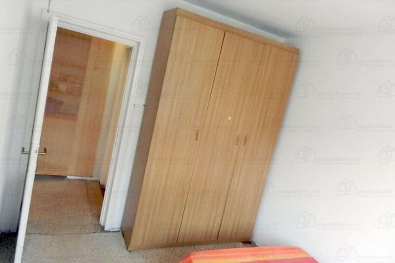 bedroom waredrobe