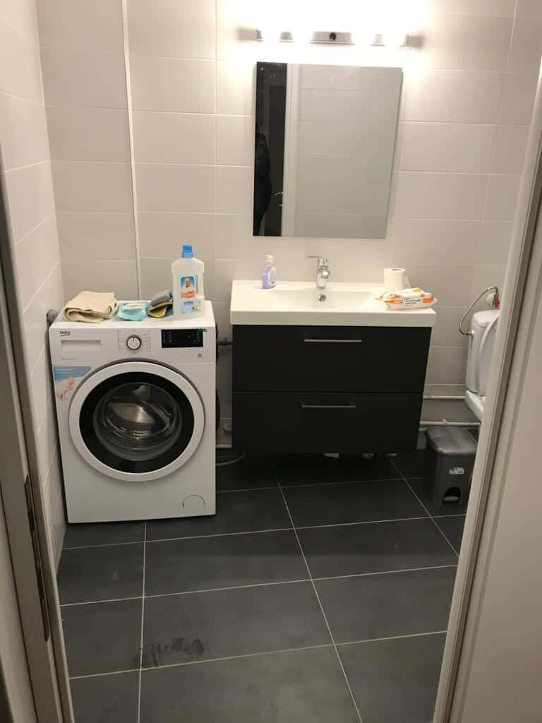 bathroom furniture and washing machine